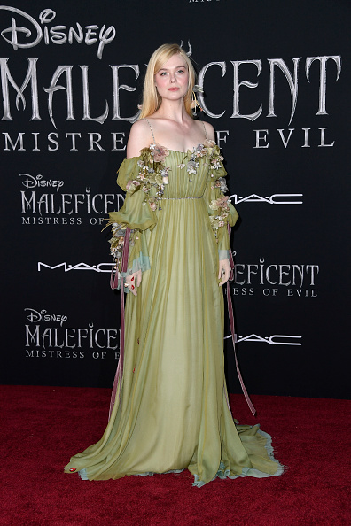 "Elle Fanning「World Premiere Of Disney's ""Maleficent: Mistress Of Evil"" - Red Carpet」:写真・画像(15)[壁紙.com]"