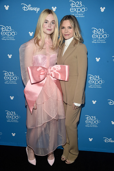 Elle Fanning「Disney Studios Showcase Presentation At D23 Expo, Saturday August 24」:写真・画像(6)[壁紙.com]
