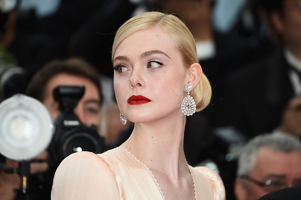 "Elle Fanning「""The Dead Don't Die"" & Opening Ceremony Red Carpet - The 72nd Annual Cannes Film Festival」:写真・画像(9)[壁紙.com]"