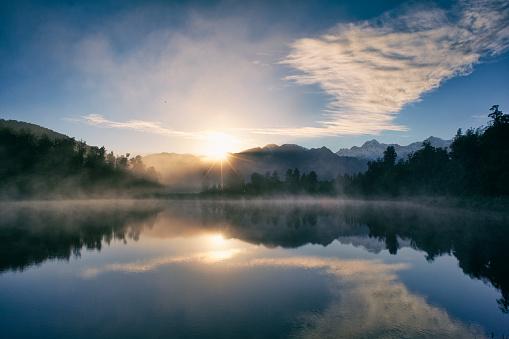 South Island New Zealand「Dawn At Lake Matheson」:スマホ壁紙(17)
