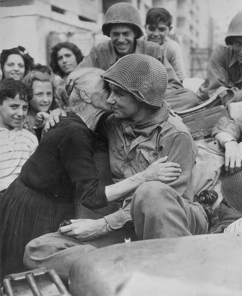 Italian Culture「Grateful Granny」:写真・画像(18)[壁紙.com]