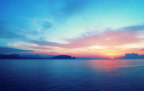 Epic sunrise in South Europe:スマホ壁紙(壁紙.com)