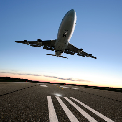 Approaching「XXL jumbo jet airplane landing」:スマホ壁紙(1)