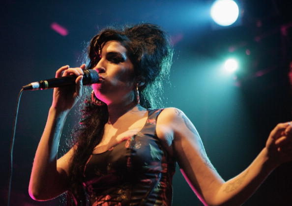 Amy Winehouse「Amy Winehouse Performs At Koko」:写真・画像(12)[壁紙.com]