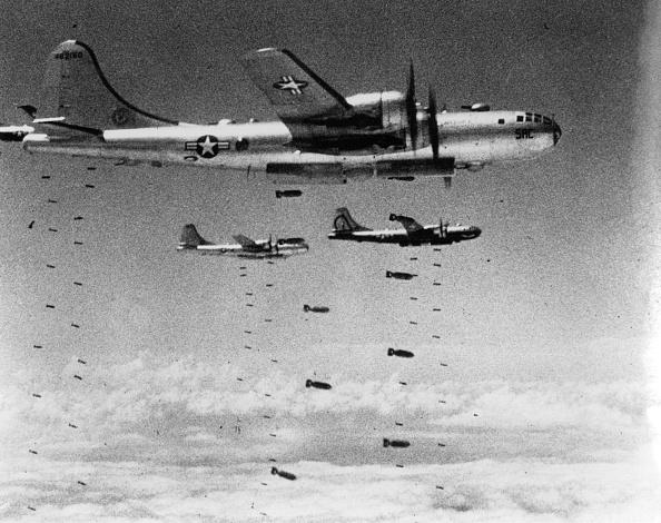 USAF「Dropping Bombs」:写真・画像(4)[壁紙.com]