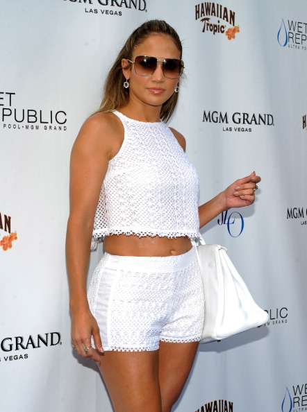 Purse「Jennifer Lopez Celebrates World Tour With Special Appearance At Wet Republic At MGM Grand」:写真・画像(19)[壁紙.com]