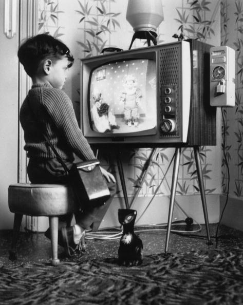 Watching「Children's TV」:写真・画像(16)[壁紙.com]