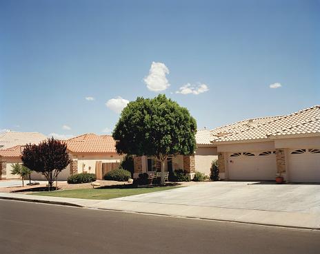 USA「Houses on street」:スマホ壁紙(11)