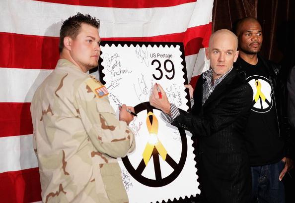 Mailbox「Bring 'Em Home Now! 3rd Iraq War Anniversary Concert - Unveiling」:写真・画像(18)[壁紙.com]