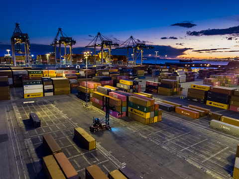 Pier「Dramatic Aerial of Container Terminal and Ships at Twilight」:スマホ壁紙(6)