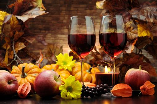 かえでの葉「レッドワイン、秋の装飾」:スマホ壁紙(12)