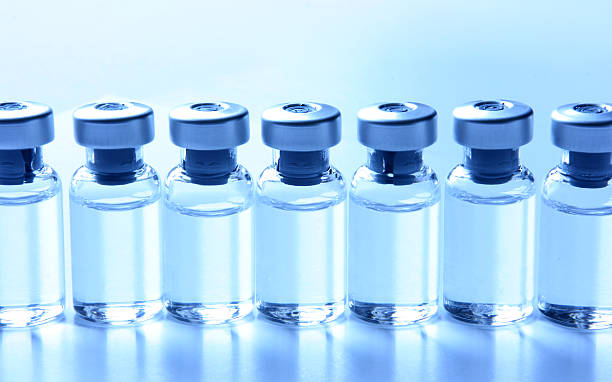 Medical Series - Vials with Medication in a row:スマホ壁紙(壁紙.com)