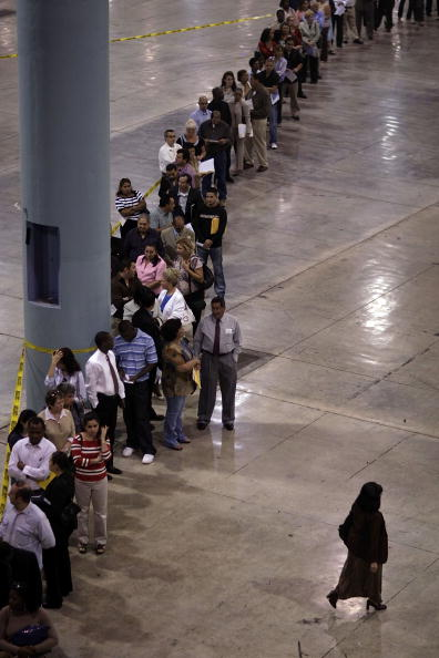 In A Row「Miami-Dade Democrats Register Newly-Minted Citizens」:写真・画像(9)[壁紙.com]