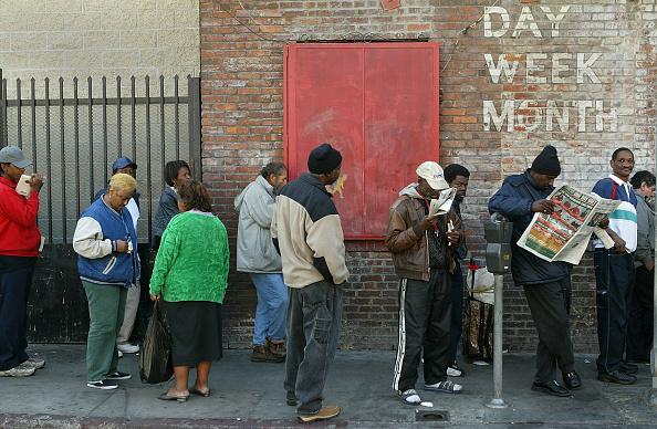 Homelessness「Los Angeles Mission Serves Turkey Dinner To Homeless」:写真・画像(16)[壁紙.com]