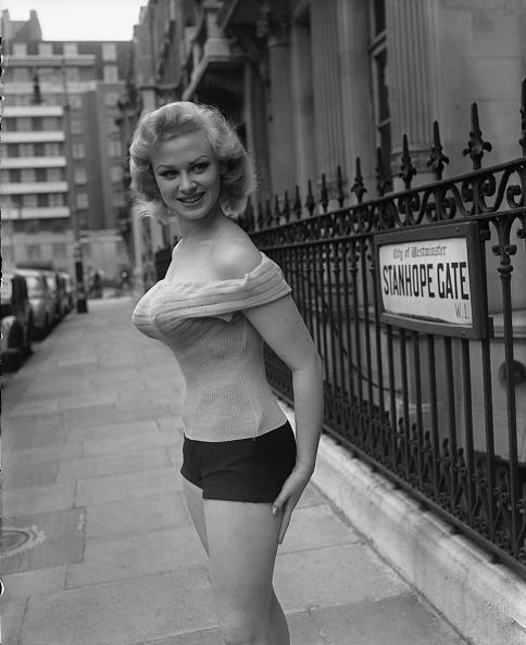 Hot Pants「Sabrina」:写真・画像(15)[壁紙.com]