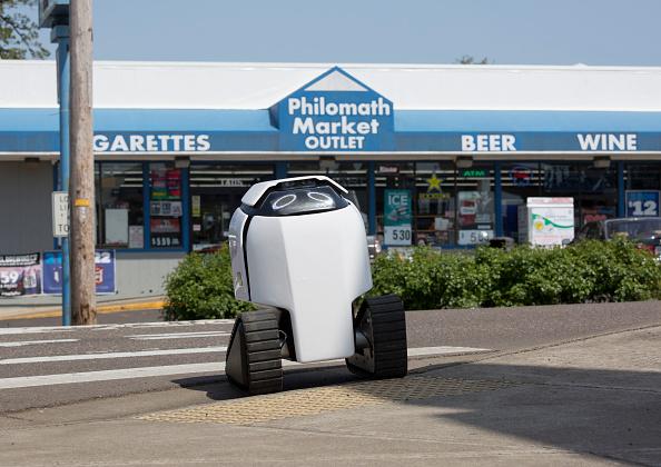 Tortilla Dish「Semi-Autonomous Robot Delivers Burritos In Oregon Town Of Philomath」:写真・画像(9)[壁紙.com]