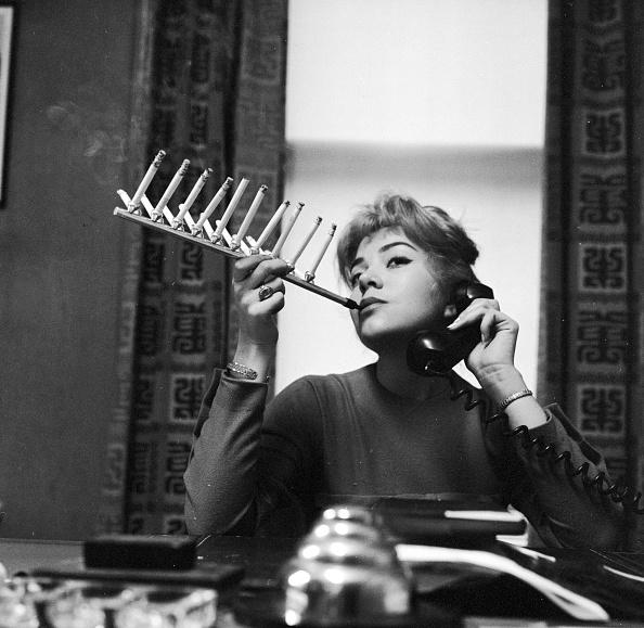 Cigarette「Chain Smoker」:写真・画像(13)[壁紙.com]