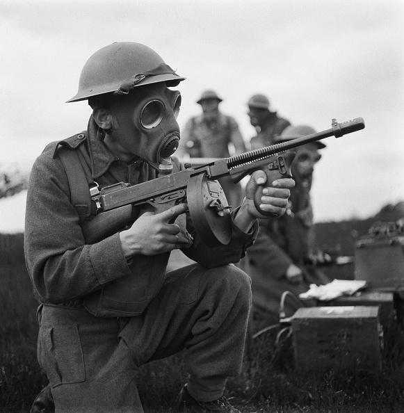 Army Soldier「Army In Gas Masks」:写真・画像(4)[壁紙.com]