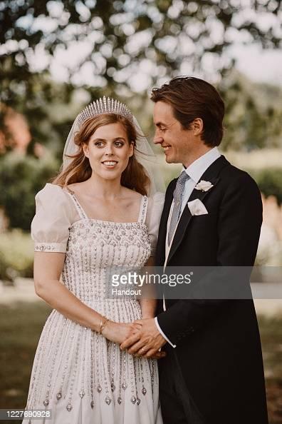 Bride「The Wedding Of Princess Beatrice And Mr. Mapelli Mozzi」:写真・画像(11)[壁紙.com]