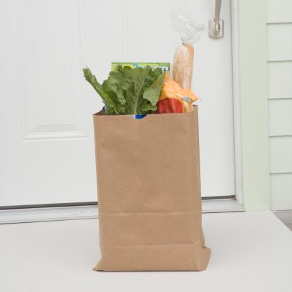 Front Door「Bag of groceries outside front door of house」:スマホ壁紙(11)