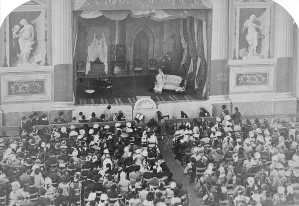 Theatrical Performance「Victorian Theatre」:写真・画像(12)[壁紙.com]