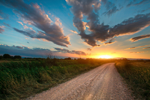 Dirt Road「Beautiful sunset on a country road」:スマホ壁紙(6)