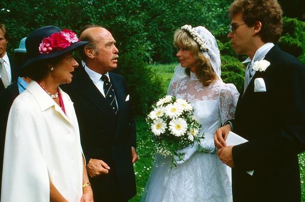 Bride「Von Preuflen」:写真・画像(3)[壁紙.com]