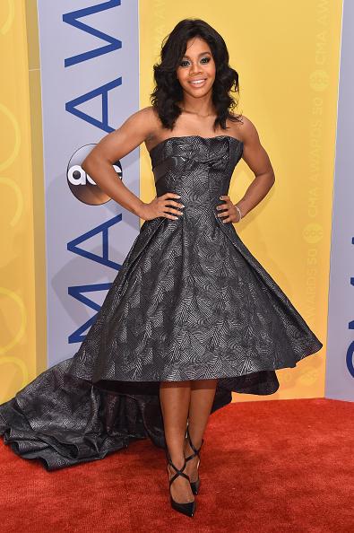 A-Line「The 50th Annual CMA Awards - Arrivals」:写真・画像(9)[壁紙.com]