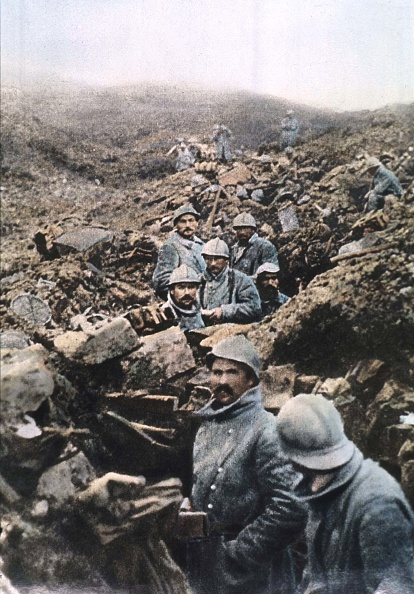 Army Soldier「french soldiers in a trench during battle in Verdun in 1916」:写真・画像(14)[壁紙.com]