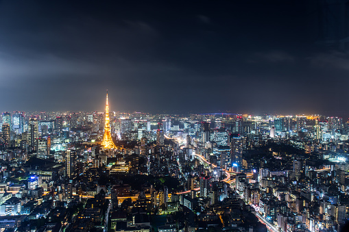 Tokyo Tower「Busy Streets in Tokyo and the view of Tokyo Tower / Tokyo, Japan」:スマホ壁紙(12)
