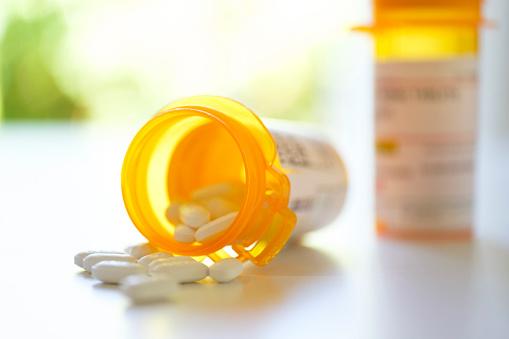 Orange Color「Pill bottles on table」:スマホ壁紙(19)