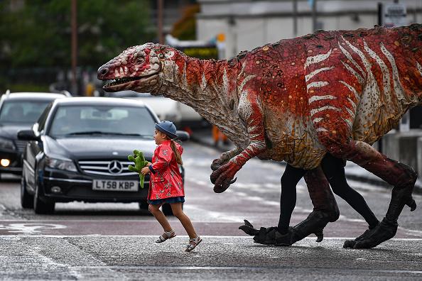 Dinosaur「'Dinosaur's Zoo' Hits Edinburgh For Fringe」:写真・画像(8)[壁紙.com]