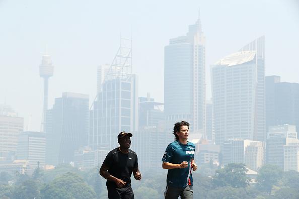 Sydney「Smoke Haze Blankets Sydney As Bushfires Continue To Burn Across NSW」:写真・画像(13)[壁紙.com]