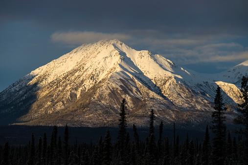 クルエーン山脈「Kluane Mountains in Tykon in snow」:スマホ壁紙(11)