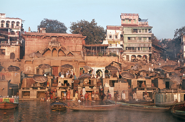 Passenger Craft「Dassashwamedh Ghat, Varanasi」:写真・画像(1)[壁紙.com]