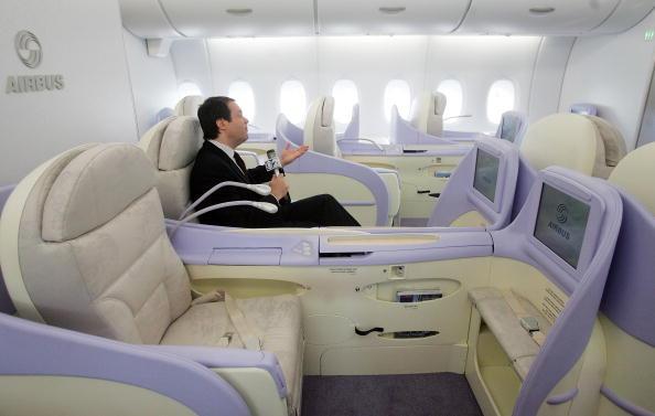 Passenger Cabin「Airbus Lands New A380 Plane At JFK Airport」:写真・画像(3)[壁紙.com]