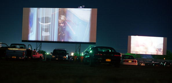 Movie Theater「Drive-In Movie Survives In New Mexico」:写真・画像(6)[壁紙.com]