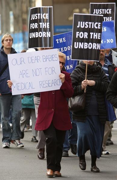 Effort「Protest Against Government's Plans To Decriminalise Abortion」:写真・画像(11)[壁紙.com]