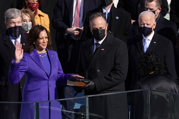 Inauguration Into Office「Joe Biden Sworn In As 46th President Of The United States At U.S. Capitol Inauguration Ceremony」:写真・画像(17)[壁紙.com]