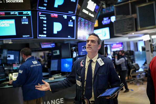 Drew Angerer「Technology Stocks Drag Market Down Sharply」:写真・画像(9)[壁紙.com]