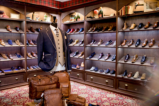 Designer Clothing「Luxury Clothing Shop for Men」:スマホ壁紙(1)