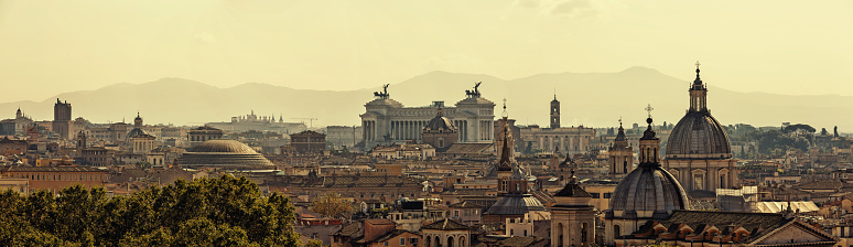 Rome - Italy「Panoramic skyline of Rome with ancient architecture at sunset」:スマホ壁紙(14)
