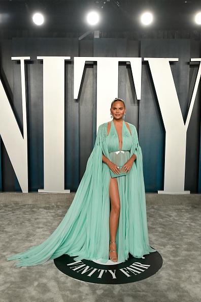 出席する「2020 Vanity Fair Oscar Party Hosted By Radhika Jones - Arrivals」:写真・画像(13)[壁紙.com]