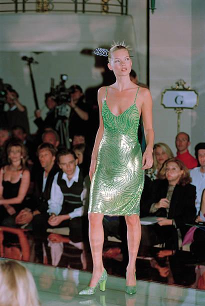 Moss Models Versace:ニュース(壁紙.com)