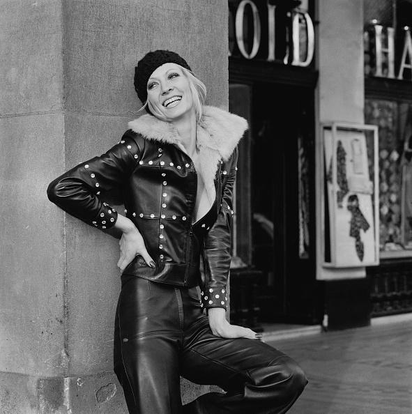 Leather「Vicki Hodge In Leather」:写真・画像(10)[壁紙.com]