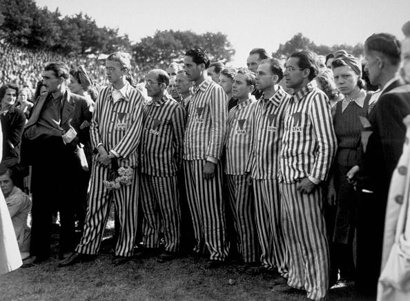 Uniform「Anti-Nazi Ceremony」:写真・画像(15)[壁紙.com]