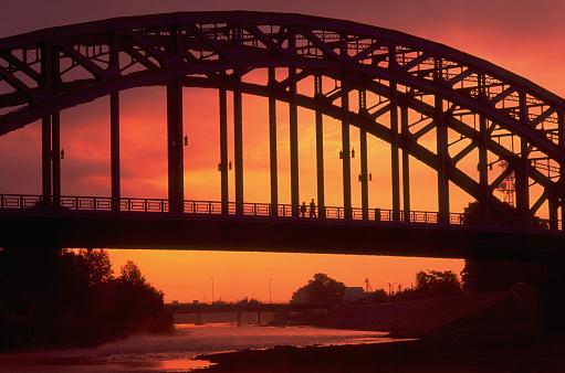 Hokkaido「Bridge Against Glowing Sunset Sky」:スマホ壁紙(12)