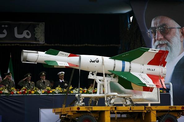 Iran「Annual Army Day Military Parade」:写真・画像(0)[壁紙.com]