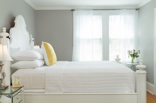 Symmetry「Bright and Airy Modern Bedroom with Gray Paint and White Painted Bed in White Bedding」:スマホ壁紙(12)