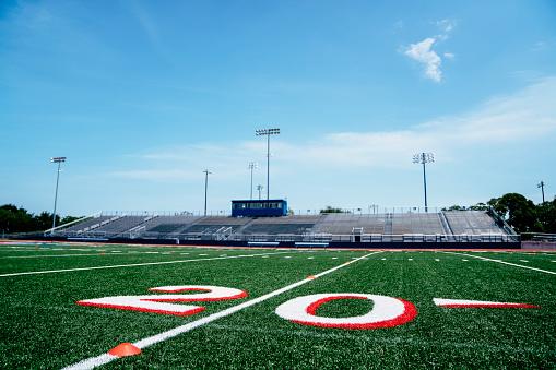 Stadium「20-yard line on football field」:スマホ壁紙(4)